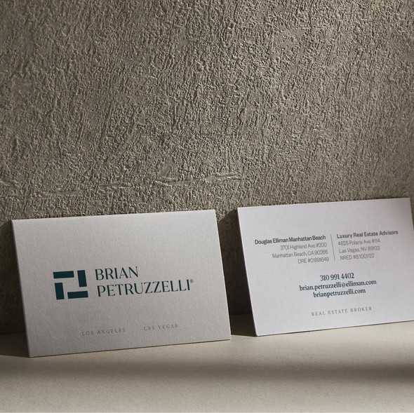 Strong design with the title 'Luxury Business Card'