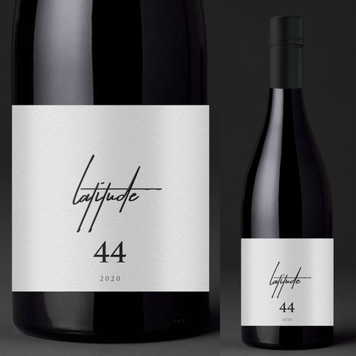 Red wine label with the title 'Latitude 44'