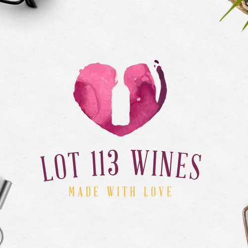 Bottle logo with the title 'Wine Lover'