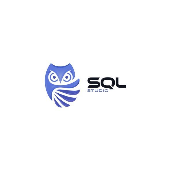 Data center design with the title 'SQL Studio'