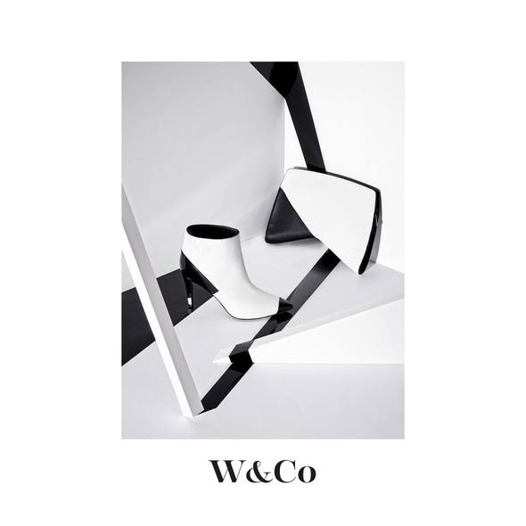 Accessories design with the title 'Contemporary fashion logo'