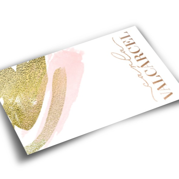 Gold glitter logo with the title 'Carla Valcarcel'