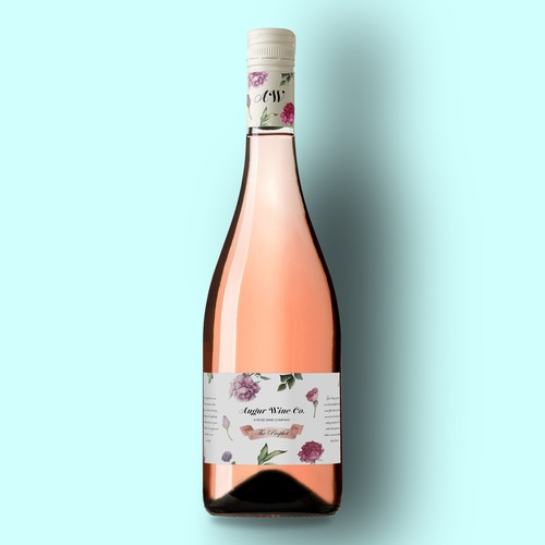 Classy label with the title 'Romantic, classy, floral design for Rosé Wine'