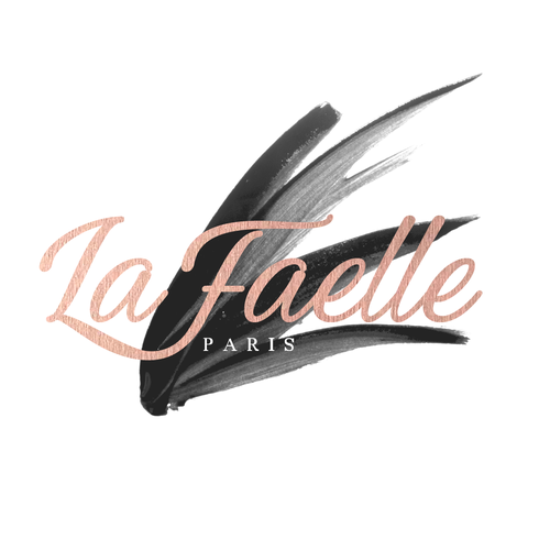 Lipstick logo with the title 'Logo for a cosmetic shop'